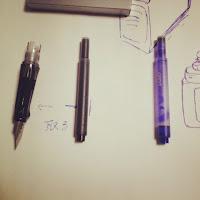 万年筆のペン先部分とカートリッジ満タンとカートリッジなし