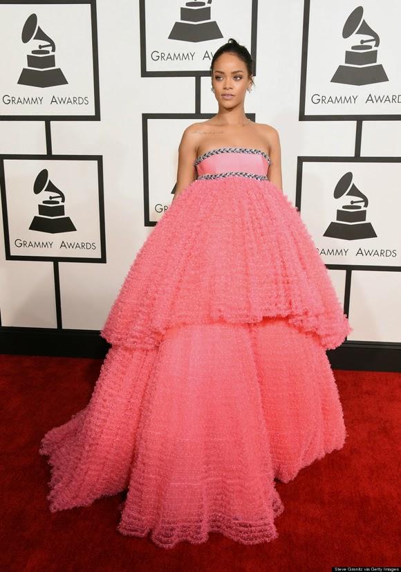 Rihanna en los Grammy 2015