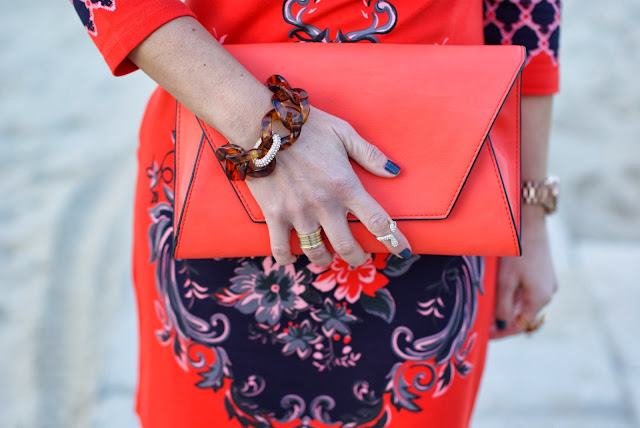 Zara orange clutch, knuckle ring, Dale Grey Vintage Reese bracelet, Fashion and Cookies, fashion blogger