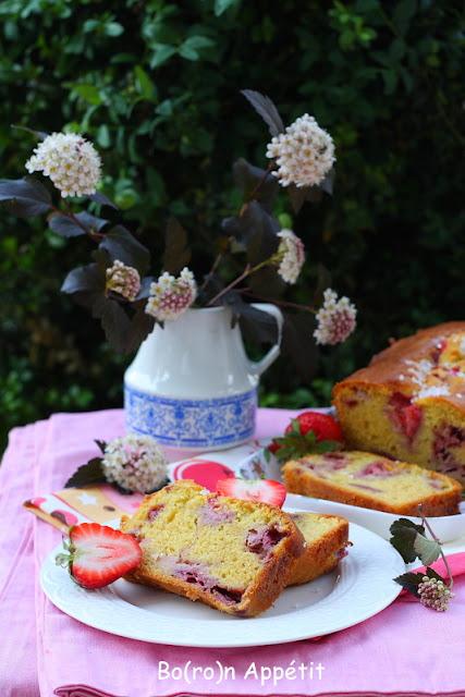 proste ciasto z truskawkami-przepis