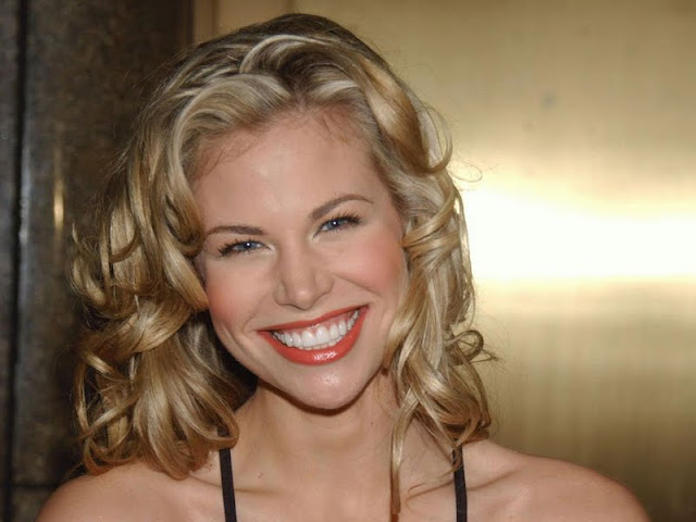 Brooke Burns Biography and new Photos