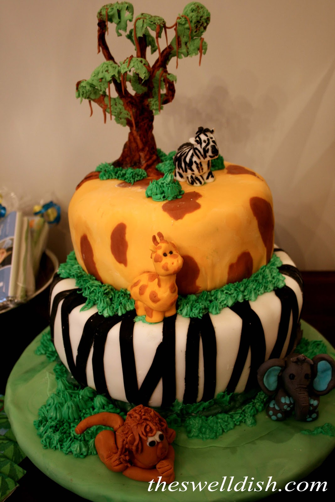 Jungle Birthday Cake Images : The Swell Dish: Jungle Birthday Party Cake