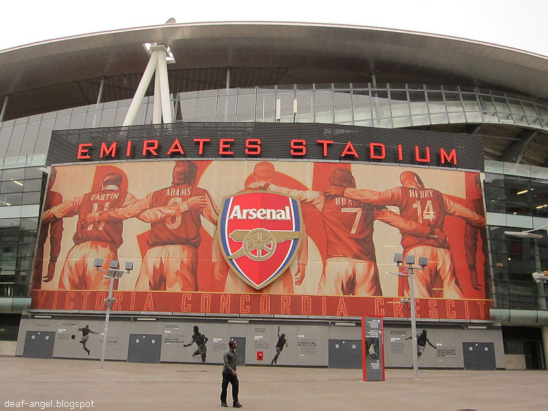 Ku di halaman rindu arsenal emirates stadium my maiden for Emirates stadium mural