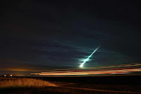http://sciencythoughts.blogspot.co.uk/2015/11/bright-fireball-over-saskatchewan-and.html