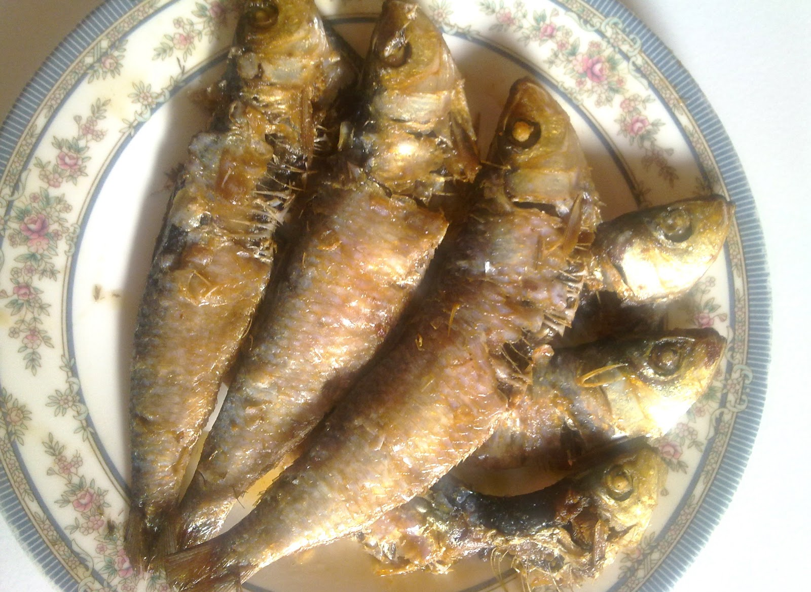 My kitchen collections ginisang monggo at pritong tuyo for Dried fish philippines