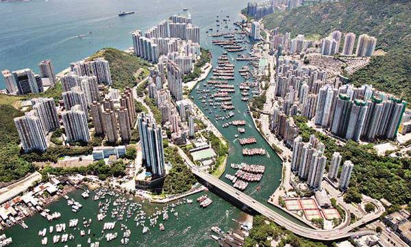 http://1.bp.blogspot.com/-7J-ux1m14uc/UiLzwqUWqaI/AAAAAAAAECI/t_9FV-s7-vQ/s1600/Tempat+Wisata+di+Hongkong+Island+terindah+Aberdeen+harbor+yoshiewafa.blogspot.com.jpg