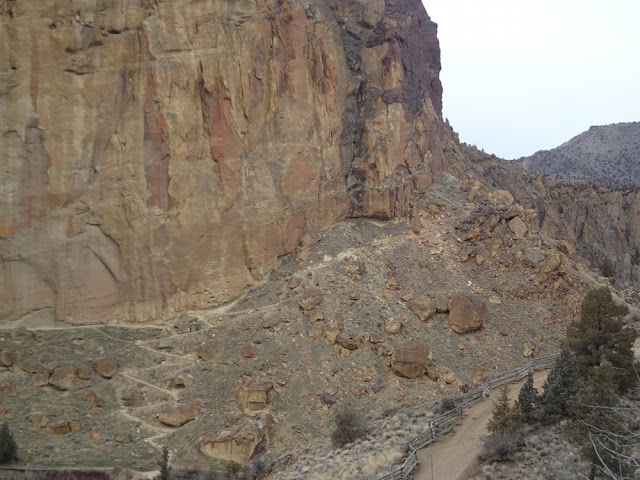 misery ridge trail, smith rock state park