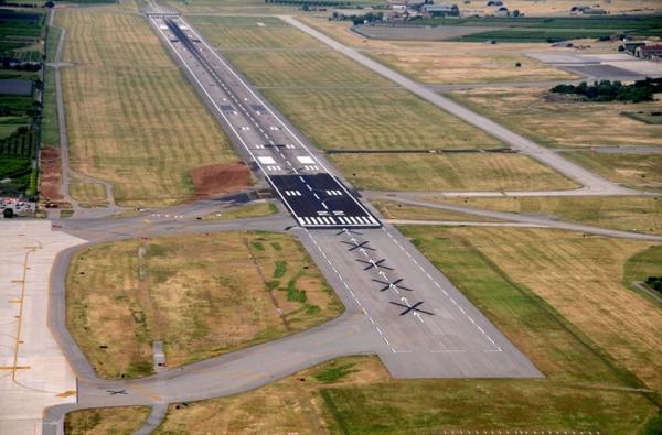 Aeroporto Verona Arrivi : La riqualifica della pista di volo dell aeroporto valerio