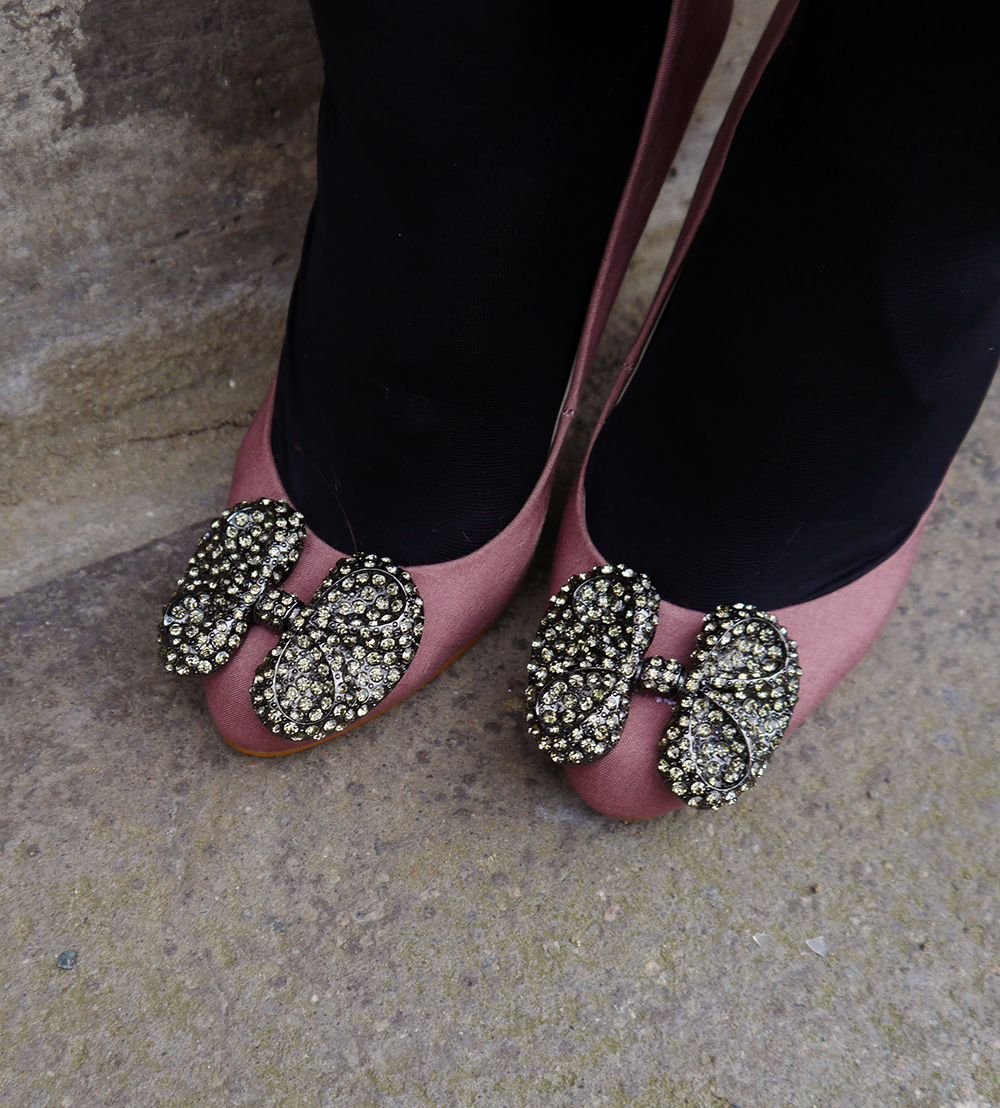 shoes, Manolo Blahnik inspired, sequin boes, dusky pink pumps, Scottish fashion blogger,