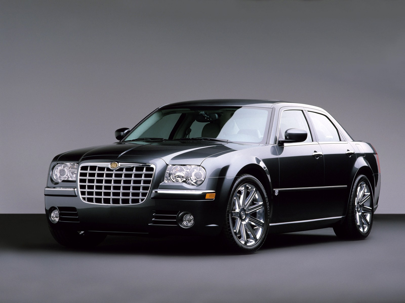 chrysler produces srt8 models for three hundred and jeep grand cherokee. Black Bedroom Furniture Sets. Home Design Ideas