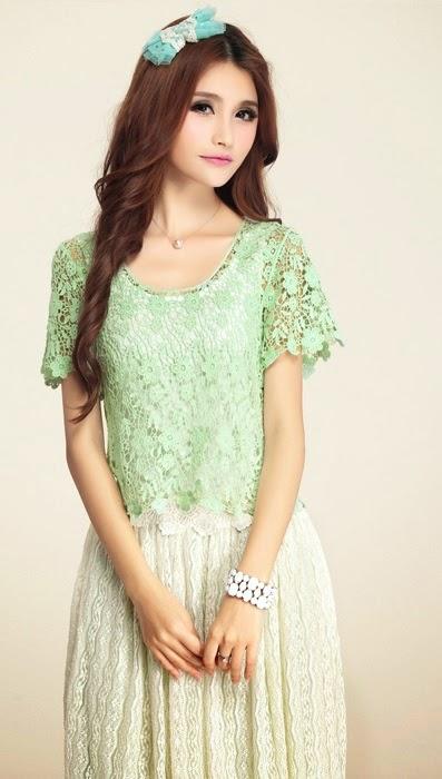 Floral & Leaves Knitting Crochet Blouse
