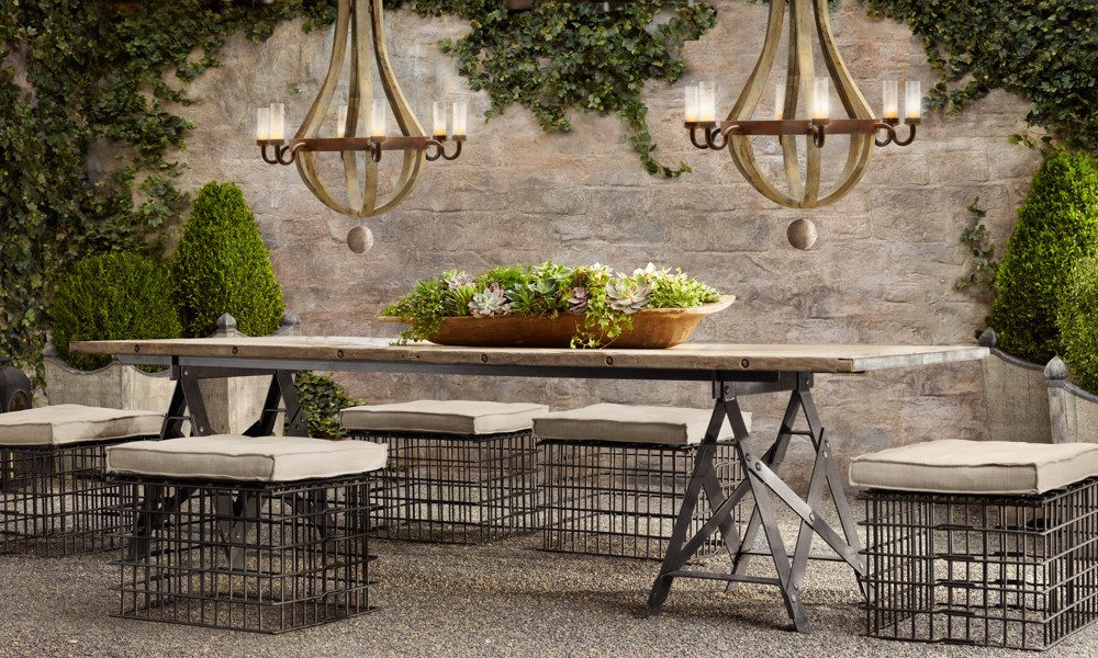 Heart of gold en plein air provencal dining for Restoration hardware outdoor dining