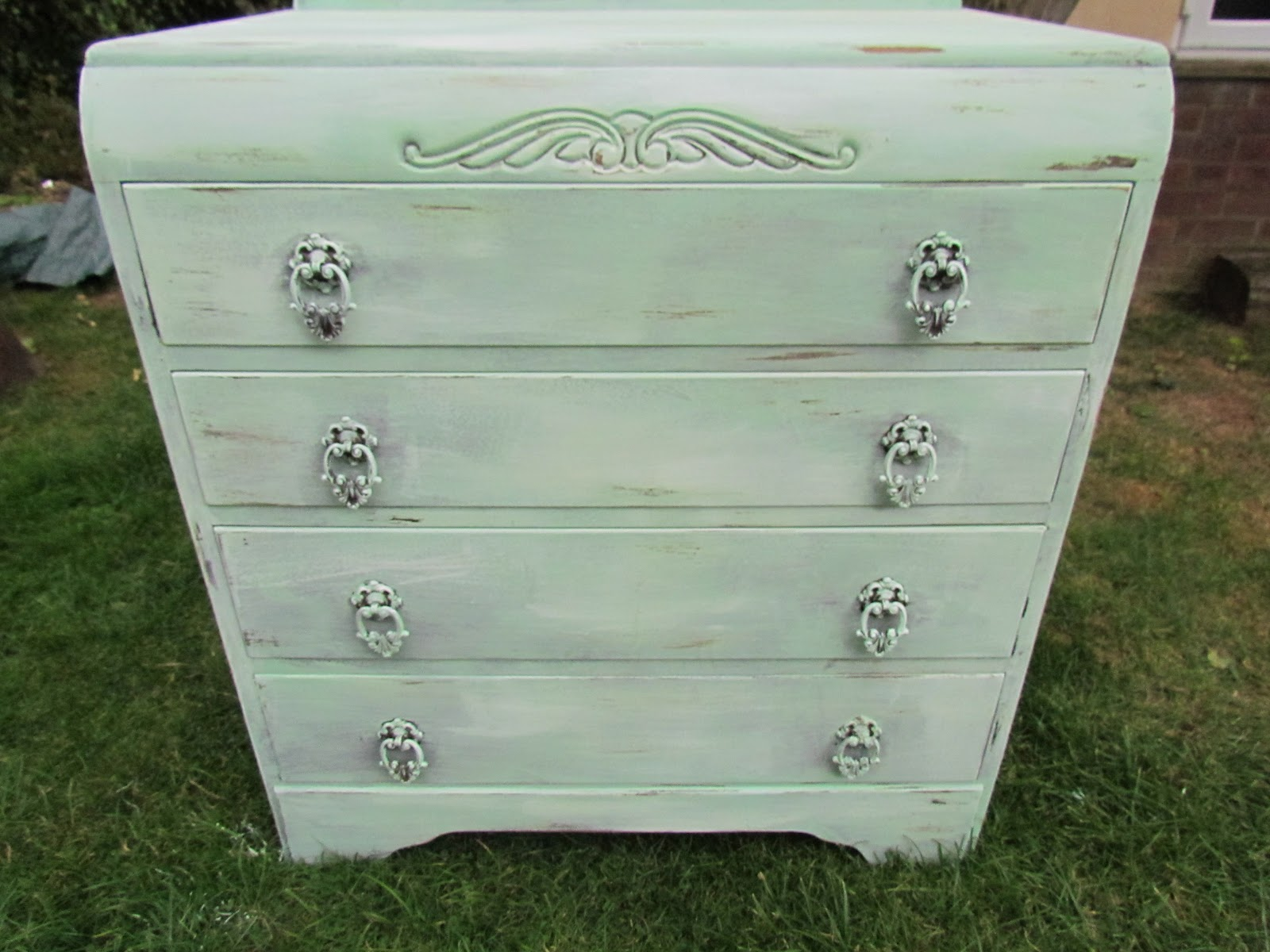 The Vintage Vision DIY SHABBY CHIC FURNITURE