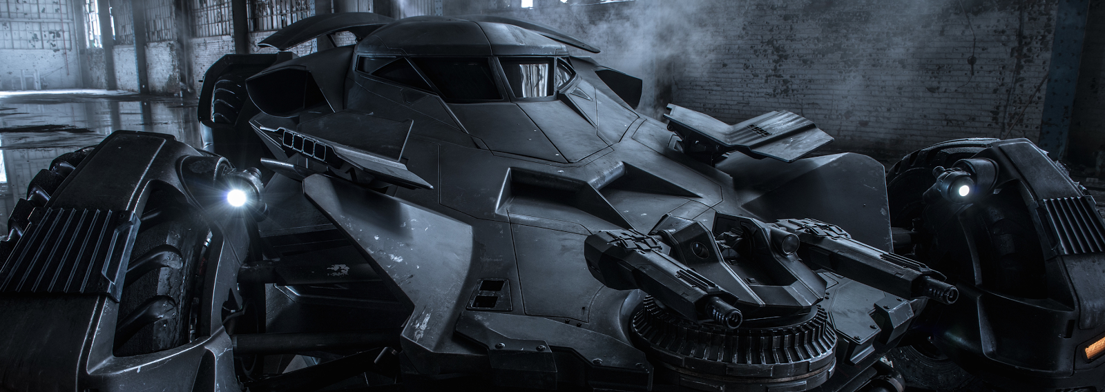 Batman v Superman: Dawn of Justice - New Image of Batmobile