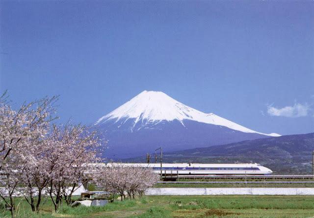 gambar tempat wisata favorit jepang Gunung Fuji