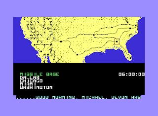 Captura de pantalla de Knight Rider (El coche fantástico) para Commodore 64 muestra el mapa (Estados Unidos) y los lugares a los que podemos ir