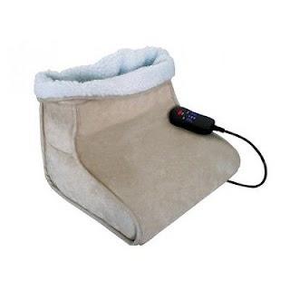 Scaldapiedi è un apparecchio atto a riscaldare i piedi di una persona seduta