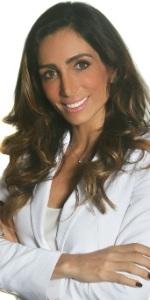 Nutricionista de famosas como Juliana Paes, Cléo Pires, Sabrina Sato, Fiorella Mattheis e Angélica, Andrea é casada com o ator Márcio Garcia, com quem tem quatro filhos.