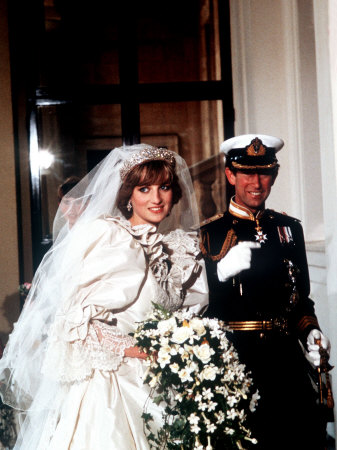 Royal Wedding: Prince Charles Philip Arthur George married with Lady Diana Spencer, on 29 July 1981 at St Paul's Cathedral. (divorce 28 August 1996)