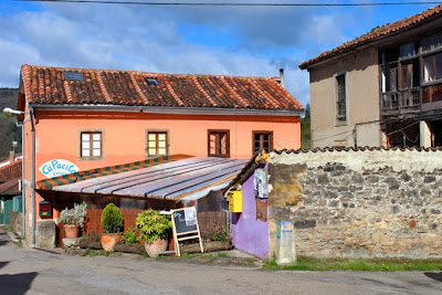 Ca' Pacita, en Doriga, al borde del Camino Primitivo.