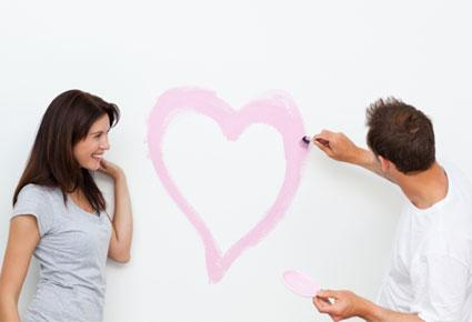 love-couple-الحبّ- معانيه بالأحرف والجمل - رجل يرسم قلب - man draw heart