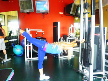 Shawn Rene Working out in Aruba Candid Photo! Family Workout