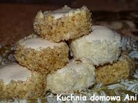 http://kuchnia-domowa-ani.blogspot.com/2012/12/torciki-warszawskie-ciastka-warszawskie.html