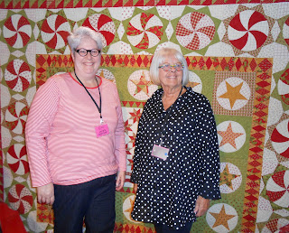 Laurie Simpson and Polly Minick (with The Christmas Quilt) Pour l'Amour du Fil, Nantes, France 2013