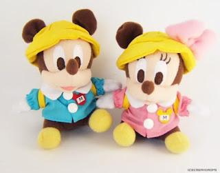 Gambar boneka Mickey dan Minnie Mouse berpasangan 3