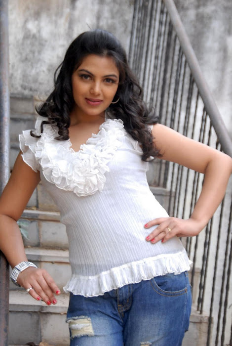 Priyanka Tivari latest wallpapers