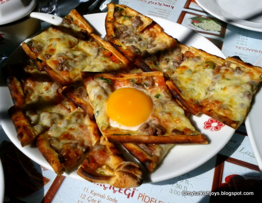 Turkish Pide with Eggs in Istanbul ~ My Traveling Joys