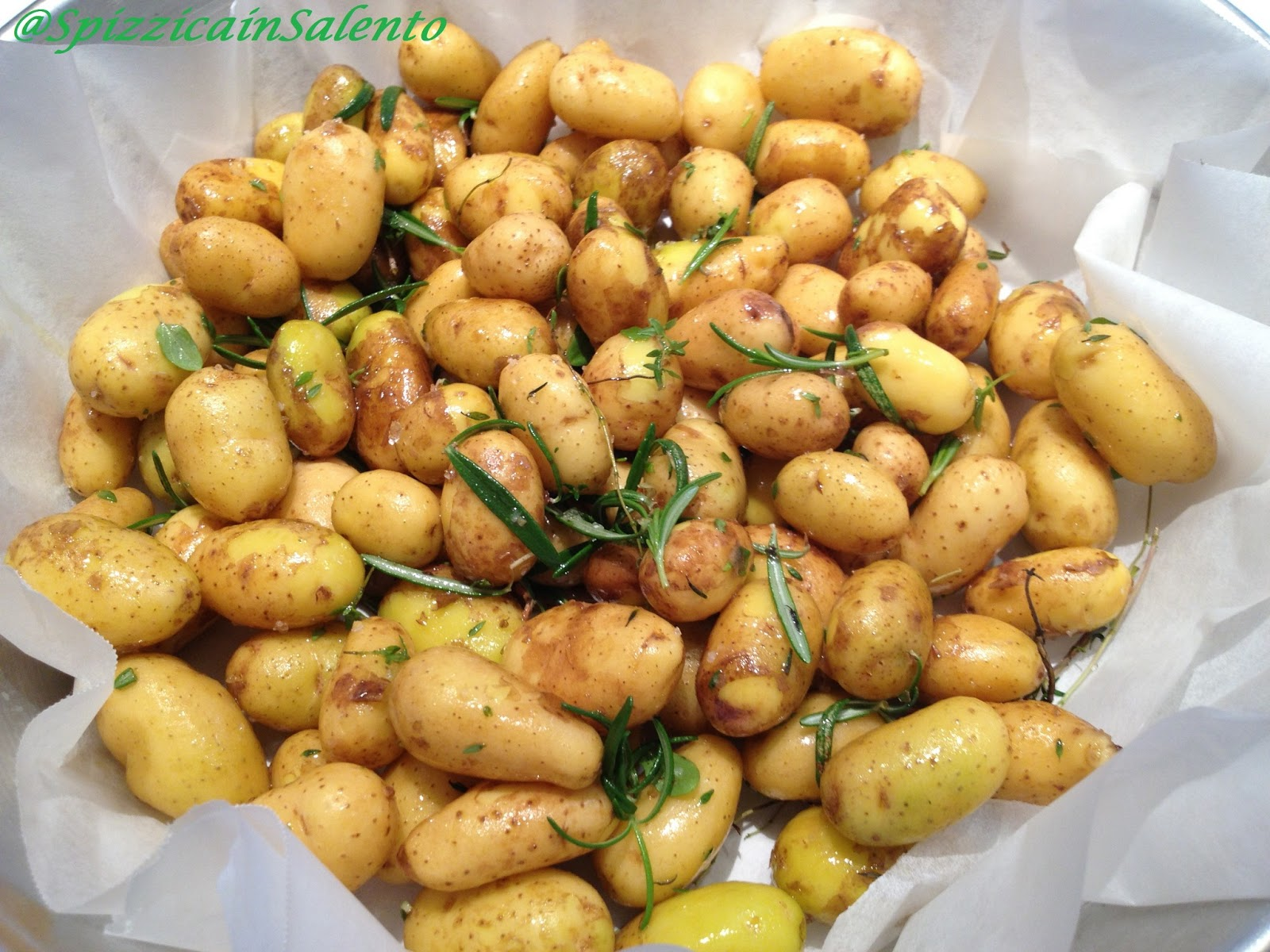Spizzica in salento pommes de terre baby sieglinde au four aigres douces fr - Pomme de terre au four papier alu ...