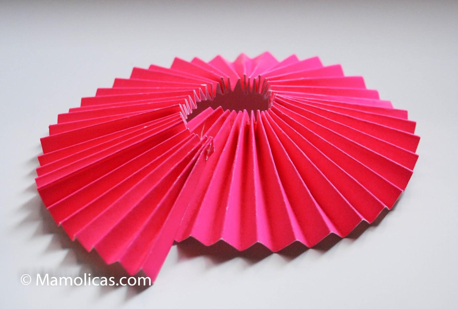 plegado de papel para guirnaldas