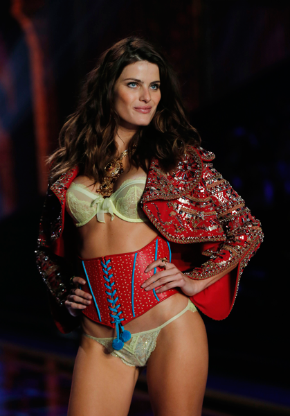 Victoria's Secret Fashion Show 2014 Isabelli Fontana