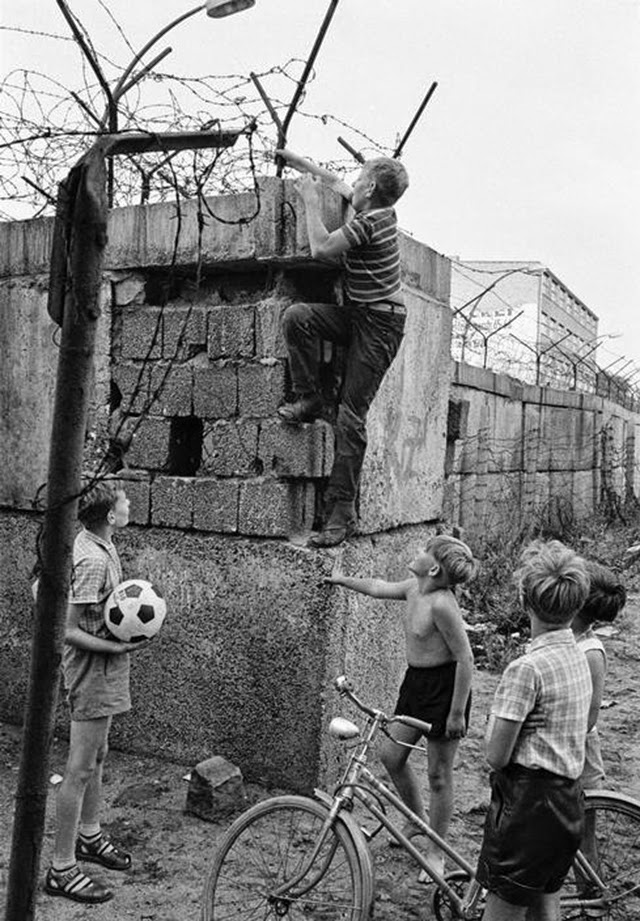 Berlin wall 1963