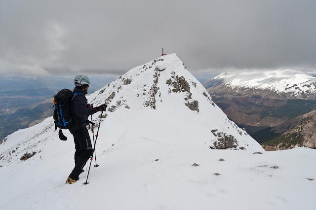 Serra di Celano, la vetta dalla cresta est