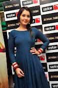 rashi khanna new sizzling pics-thumbnail-14
