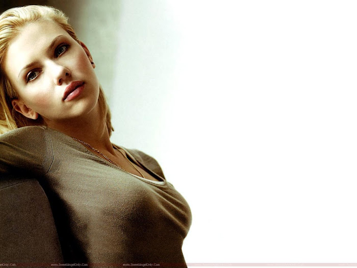 Scarlett Johansson HD Desktop Wallpaper -06
