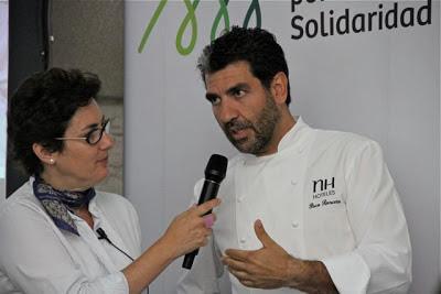 PACO RONCERO Y MONSERRAT DOMÍNGUEZ EN LA PRESENTACIÓN LIBRO RECETAS APARA UN MUNDO MEJOR. BLOG ESTEBAN CAPDEVILA