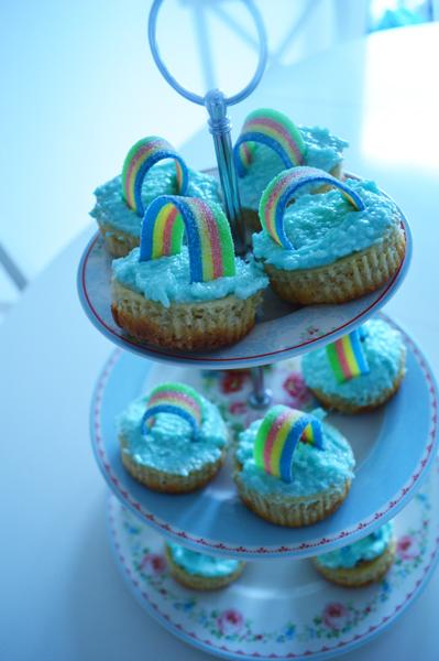 rainbow mini cheesecakes with coconut