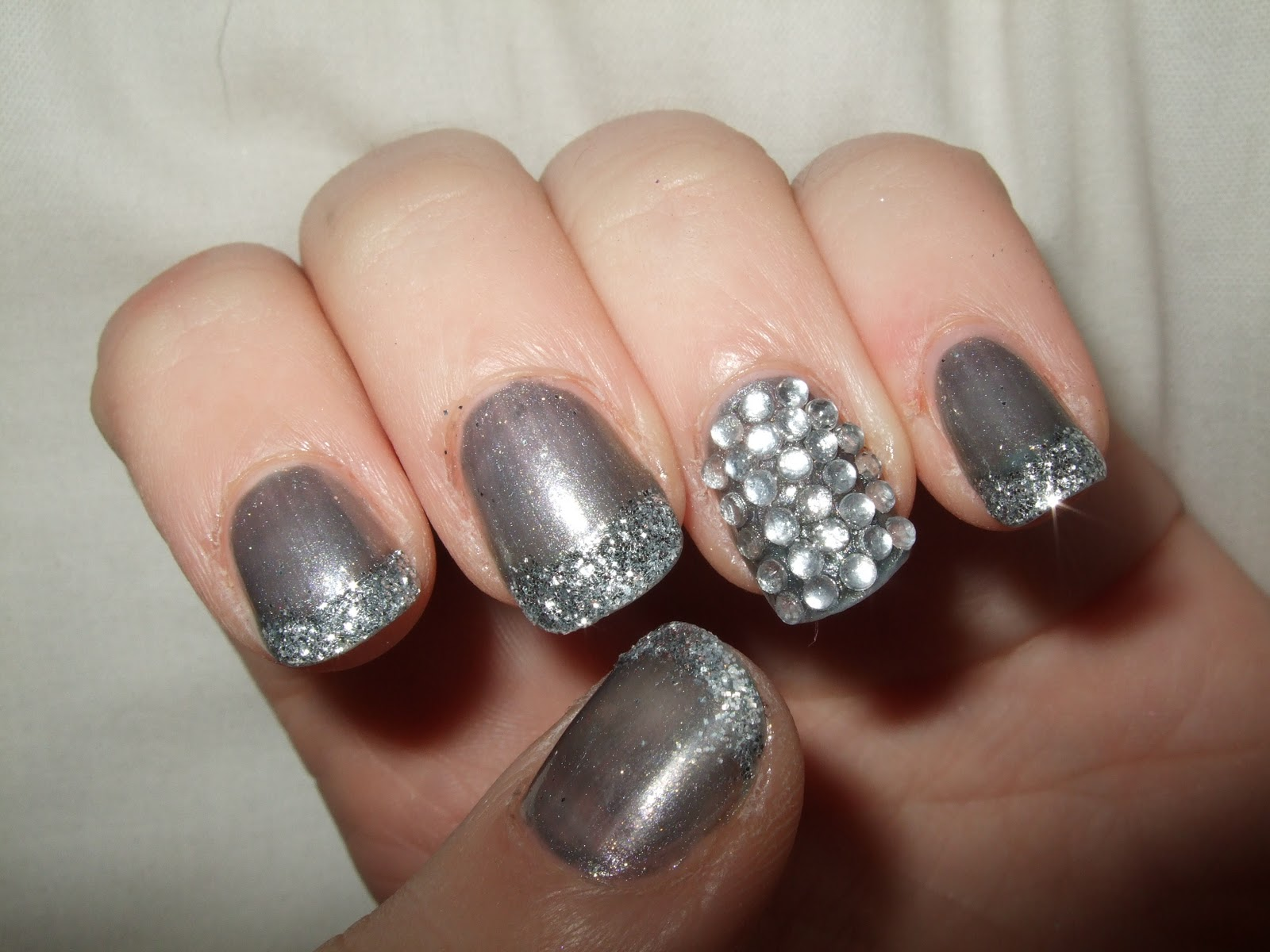 Oooooh Pretty: New Years Eve Nails!