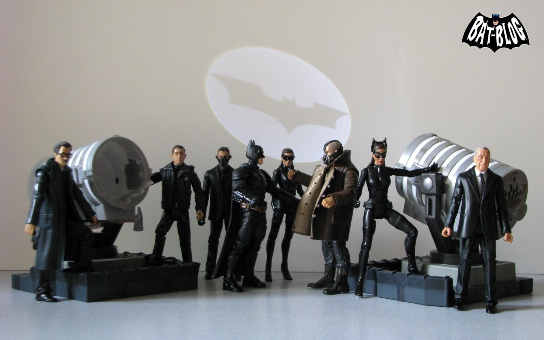 http://1.bp.blogspot.com/-7MYdDYpcPnY/UMj1OMEwoYI/AAAAAAAAXb8/CdeUuYqggo0/s1600/wallpaper-dark-knight-rises-batman-bat-signal.jpg