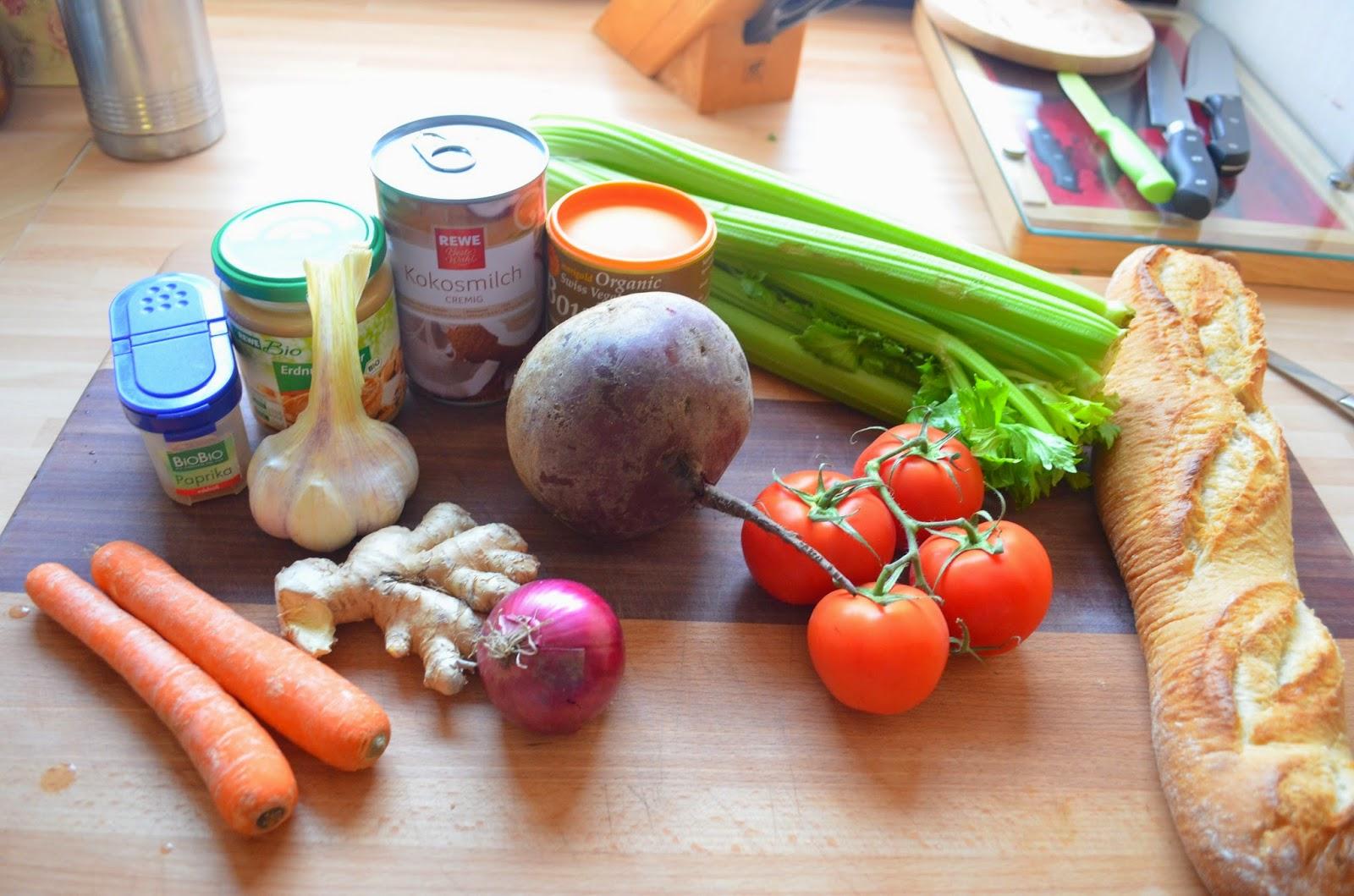 vegan cooking erdnuss kokos suppe mit roter beete. Black Bedroom Furniture Sets. Home Design Ideas