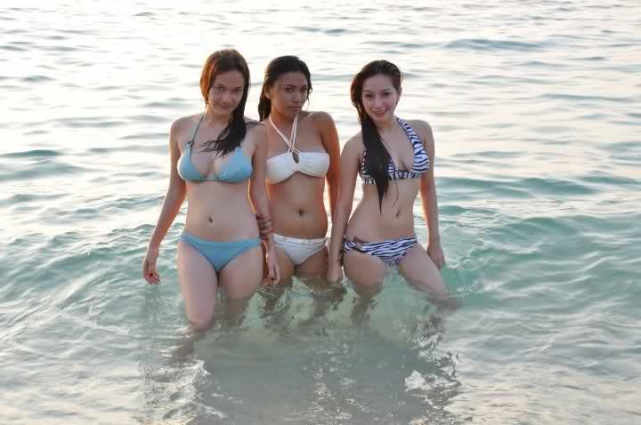sexy girls beach bikini pics 3