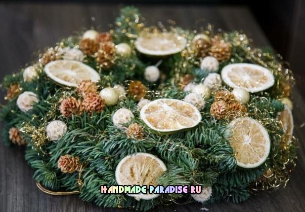 Новогодние венки из природных материалов