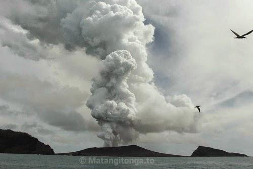 Hunga_Ha'apai_Hunga_Tonga_volcano_eruption