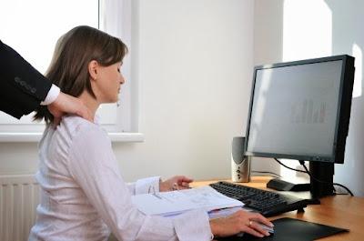 5 Peregangan Wajib Anda Lakukan Saat Kerja Dikantor