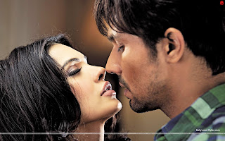 Murder 3 Fresh HD Wallpaper Randeep Hooda, Hot Sara Loren (Mona Lizza)