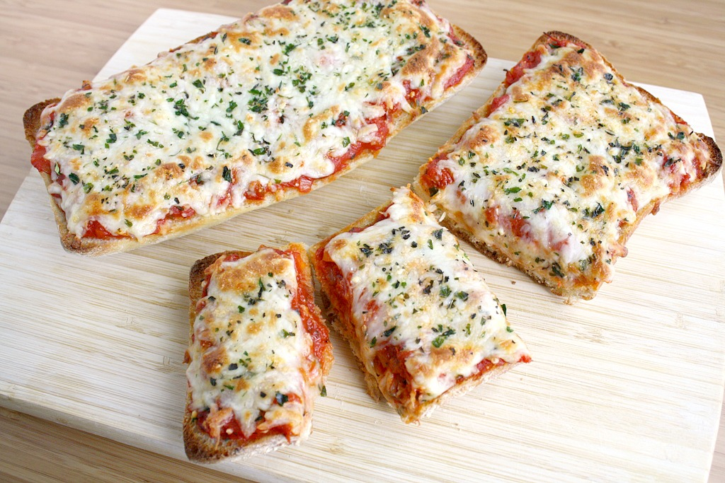 The Garden Grazer: French Bread Pizza