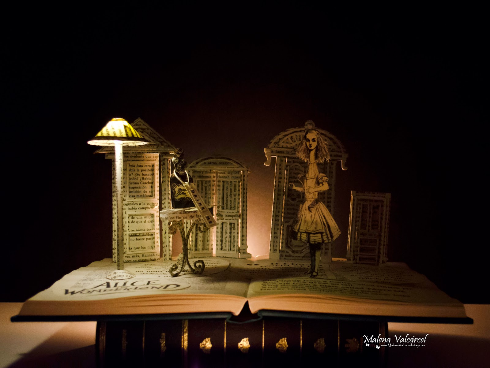 alice-in-wonderland-book-sculpture